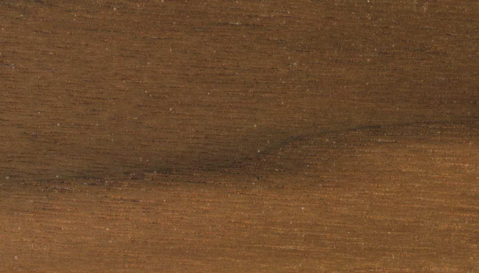 culoarea lemnului - nuc, pentru picioare si polite laptop
